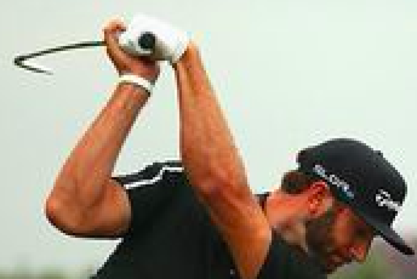 Dustin Johnson Bowed-wrist golf swing