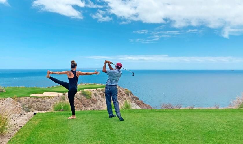 Villa-del-Palmar-golf-yoga.jpg