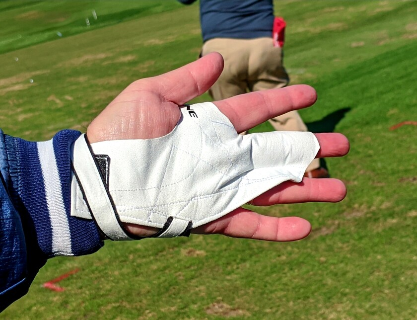 The One single-finger suede golf glove