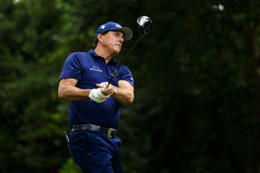 Phil Mickelson shoots 69 in third round of 2021 Masters