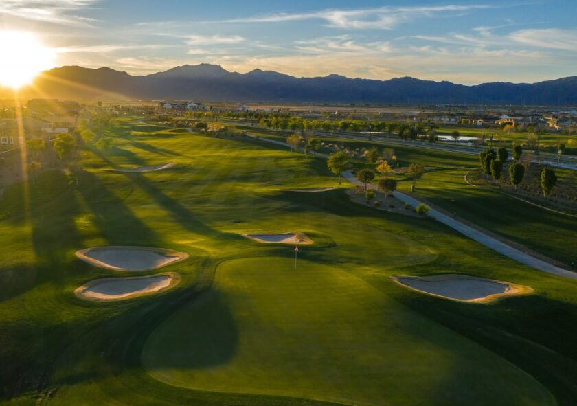 Sterling Grove Golf & Country Club Hole 10.jpg