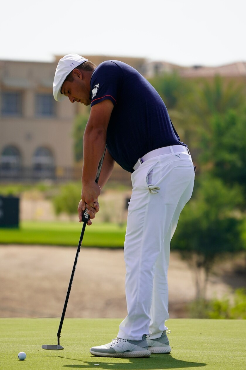 Bryson DeChambeau uses arm-lock putting method at 2021 Saudi International