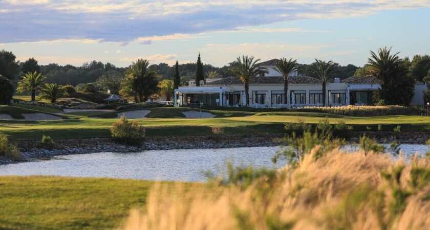 Las-Colinas-18th-hole-high-res-1027x550.jpg