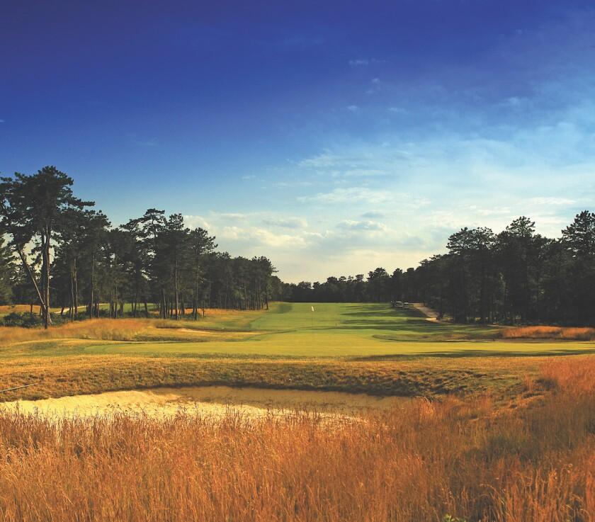 18th hole at Pine Ridge Golf Club in Coram, N.Y.